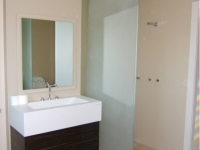 We Provide Modern and Stylish Bathroom Glass Solutions